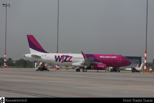 Wizz Air Hungary A320ceo with sharklets